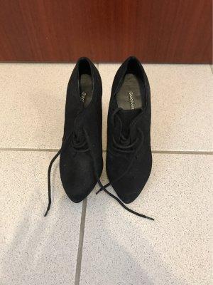 Graceland Lace-up Pumps black