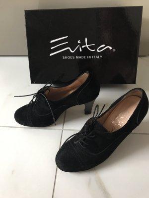 Evita Décolleté stringata nero