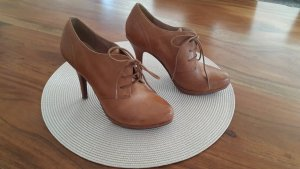 5th Avenue Lace-up Booties brown
