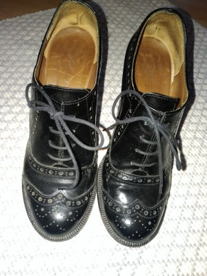 Navyboot Lace-up Pumps black leather