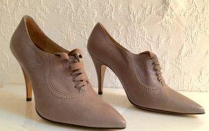 Escarpins à lacets gris brun