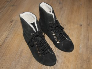 Blink Ankle Boots black suede