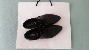 Schnürschuhe aus dezentem Lackleder - nur 3 x getragen