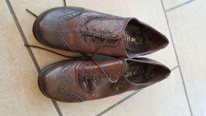 Schnürschuhe dunkelbraun mit kleinem Absatz 38 la scarpa