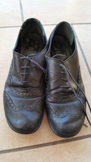 Schnürschuhe Echtleder mit kleinem Absatz 38 von la scarpa