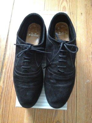 Schnürschuhe Flats Akira Wildleder Budapester Brogues Schuhe schwarz 38