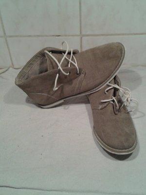 Schnürschuhe in khaki