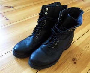 Bullboxer Lace-up Boots black