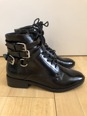 Reserved Lace-up Booties black