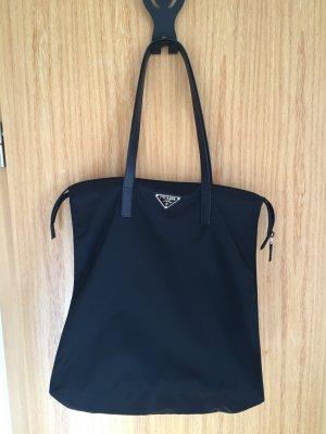 Schön & praktisch -Prada Shopping Bag