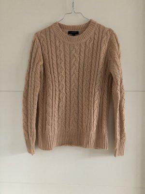 Schön und Schlichter Pullover