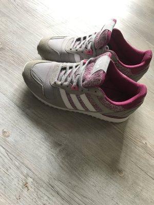 Schöne Adidas Turnschuhe