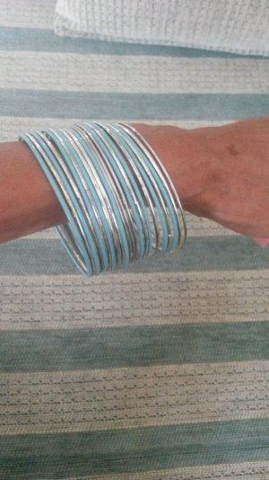 Schöne Armreifenset in Silber / turkisblau