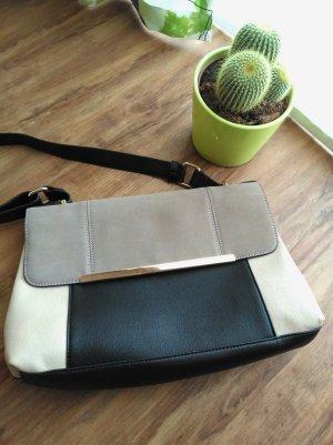 Schöne beige Tasche von Accessorize