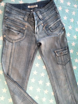 Schöne blaue Jeans-Hose,Longgebao,Gr.38
