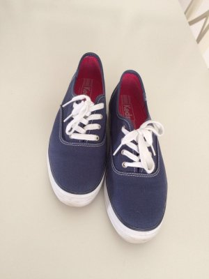 Schöne Blaue Keds Schuhe