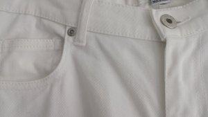 Schöne blütenweiße dünne Jeans von Zara -wie neu