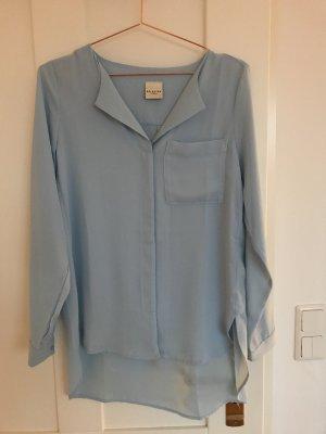Schöne Bluse, fließender Stoff