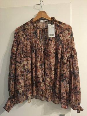 Schöne Bluse für den Herbst