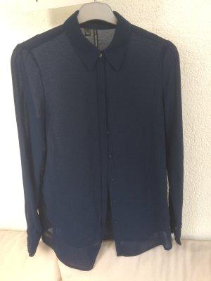 schöne Bluse in dunkelblau