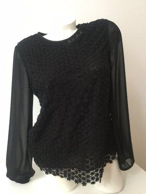 Schöne Bluse mit Bumenstickerei von REISS, Gr 38