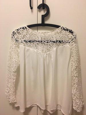 Schöne Bluse mit spitzen