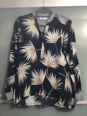 Schöne Bluse mit tollem Muster