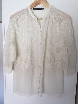 Schöne Bluse von Zara mit Blumenstickerei Gr.S