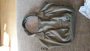Schöne braun-grüne Tasche von Liebeskind mit kleinem Riss