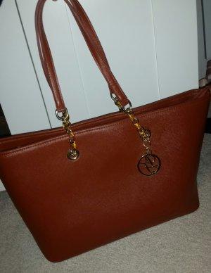 Schöne braune große Tasche