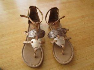 Schöne braune Sandalen von Clarks