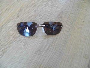 schöne braune Sonnenbrille