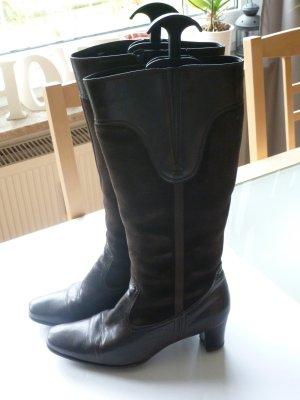 Schöne braune Stiefel von ara in Wildlederoptik