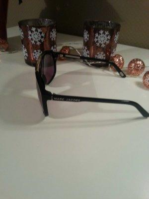 Schöne Brille von Marc Jacobs.