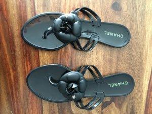 Schöne CHANEL Sandalen in Größe 41 (eher Größe 40) - wie neu