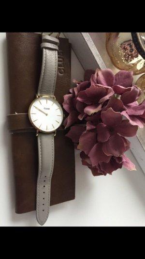 Schoene Cluse Uhr  mit goldenen Rahmen voll Funktionsfaehig