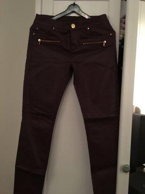 Schöne coated Hallhuber Jeans in Bordeaux