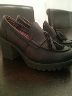Schöne College Schuhe mit Blockabsatz- perfekt für den Herbst