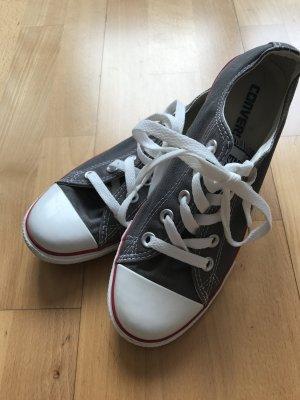 Schöne Converse Schuhe