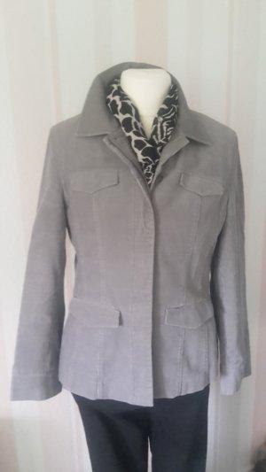 Schöne Cord Jacke von S'Oliver