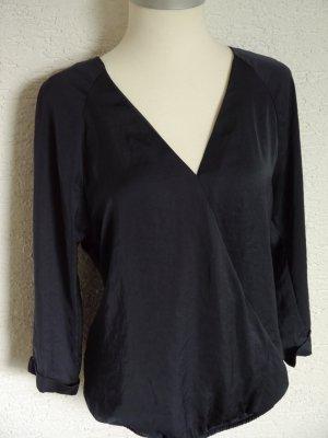 schöne dunkelblaue Bluse, leicht glänzend