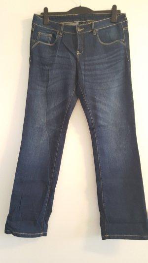 Schöne dunkelblaue Jeans mit toller Waschung, Gr. 44