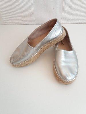 Schöne Echtleder-Espadrilles in Silber