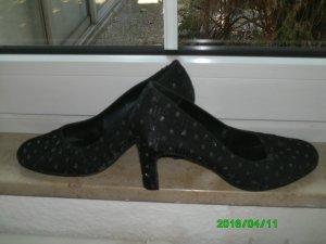 Schöne, elegante schwarze Schuhe mit grau/silbernen Punkten