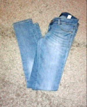 Schöne enganliegende Jeans :)
