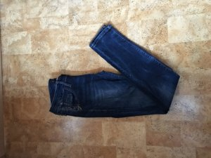 Schöne enge Jeanshose