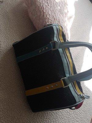 schöne  farbige Handtasche