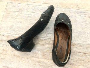 Schöne flache echt Leder-Pumps von Jana