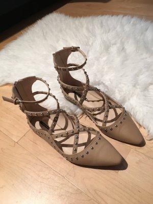 Schöne flache Schuhe