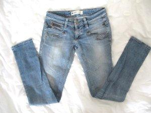 Schöne Freeman T.Porter Jeans Röhre Hüftjeans Style Alexa 28/32